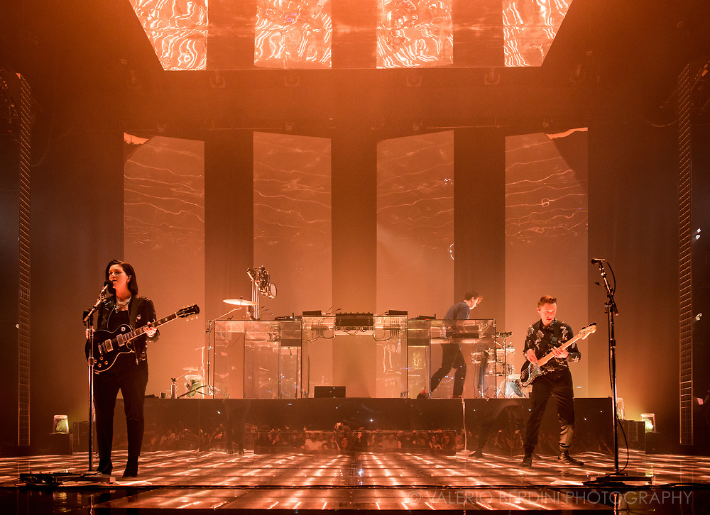 The XX at the London Brixton Academy on Saturday 11 Mar 2017 for their Night & Day residency.