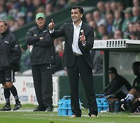 Photo: Lee Earle.<br /> Yeovil Town v Swansea City. Coca Cola League 1. 27/10/2007. Swansea manager Roberto Martinez.