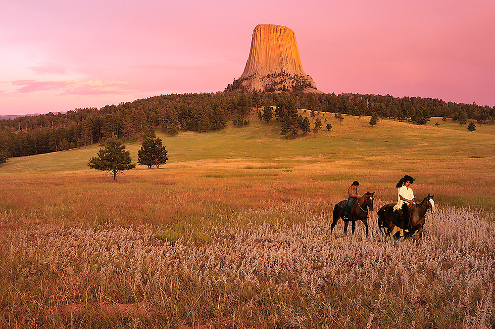 (m) Lakota Indians,Devils Tower National monument,Wyoming,USA.(model release 0157,0158))
