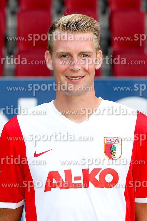 16.07.2014, SGL Arena, Augsburg, GER, 1. FBL, Mannschaftsfototermin FC Augsburg, im Bild Jan-Ingwer Callsen-Bracker #18 (FC Augsburg) // during a Photo Shoot of German 1st Bundesliga FC Augsburg at the SGL Arena in Augsburg, Germany on 2014/07/16. EXPA Pictures &copy; 2014, PhotoCredit: EXPA/ Eibner-Pressefoto/ Kolbert<br /> <br /> *****ATTENTION - OUT of GER*****