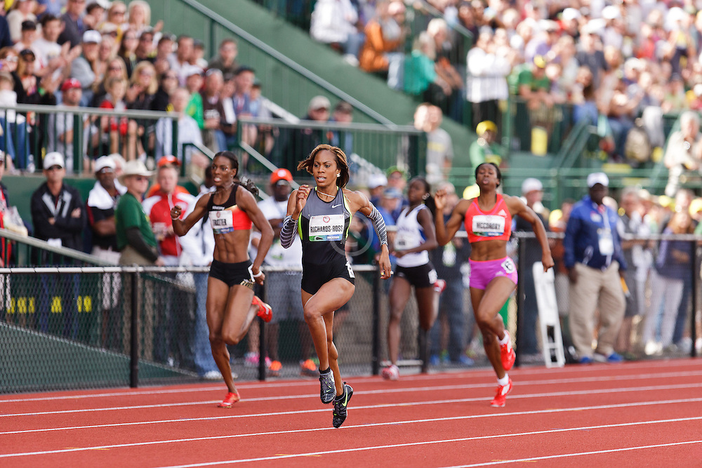 Sanya Richards-Ross on way to winning 400 meters, Trotter, Dixon, McCorory follow
