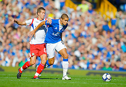 LIVERPOOL, ENGLAND - Sunday, September 20, 2009: Everton's Jack Rodwell and Blackburn Rovers' Morten Gamst Pedersen during the Premiership match at Goodison Park. (Pic by David Rawcliffe/Propaganda)