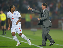 12.06.2010, Royal Bafokeng Stadium, Rustenburg, RSA, FIFA WM 2010, England (ENG) vs USA (USA), im Bild Fabio Capello manager / head coach of England speaks with Glen Johnson of England, EXPA Pictures © 2010, PhotoCredit: EXPA/ IPS/ Mark Atkins / SPORTIDA PHOTO AGENCY