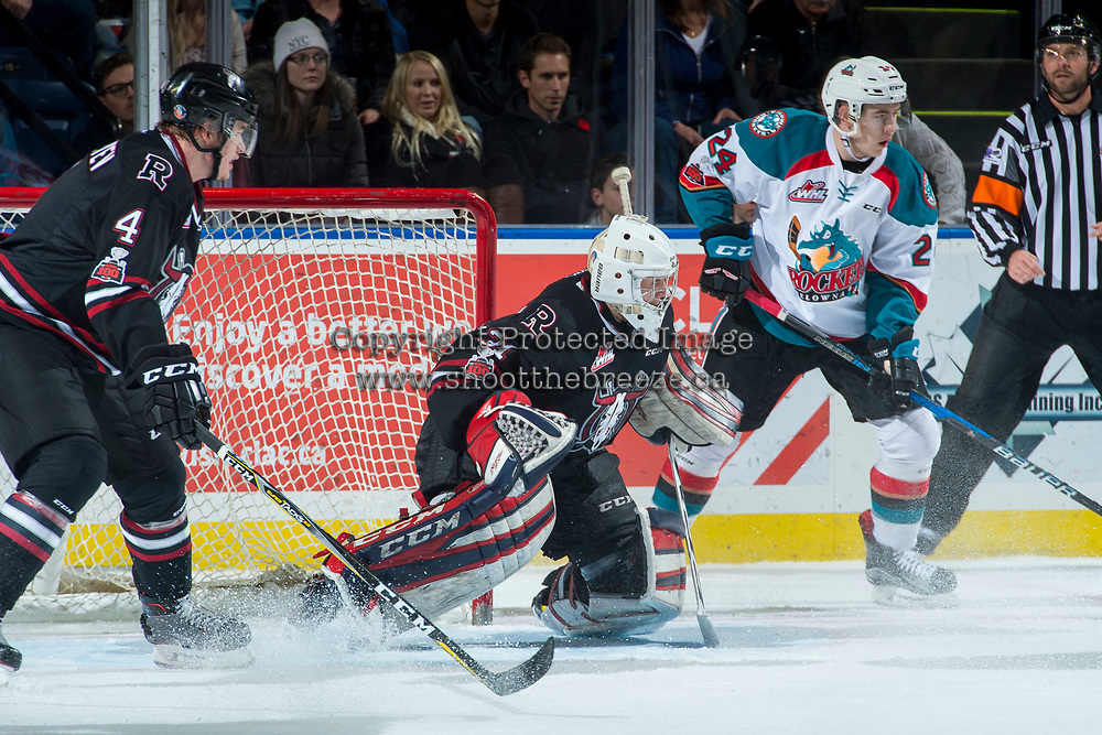 KELOWNA, CANADA - NOVEMBER 11: Ethan Anders #31 of the Red Deer Rebels defends the net against the Kelowna Rockets on November 11, 2017 at Prospera Place in Kelowna, British Columbia, Canada.  (Photo by Marissa Baecker/Shoot the Breeze)  *** Local Caption ***