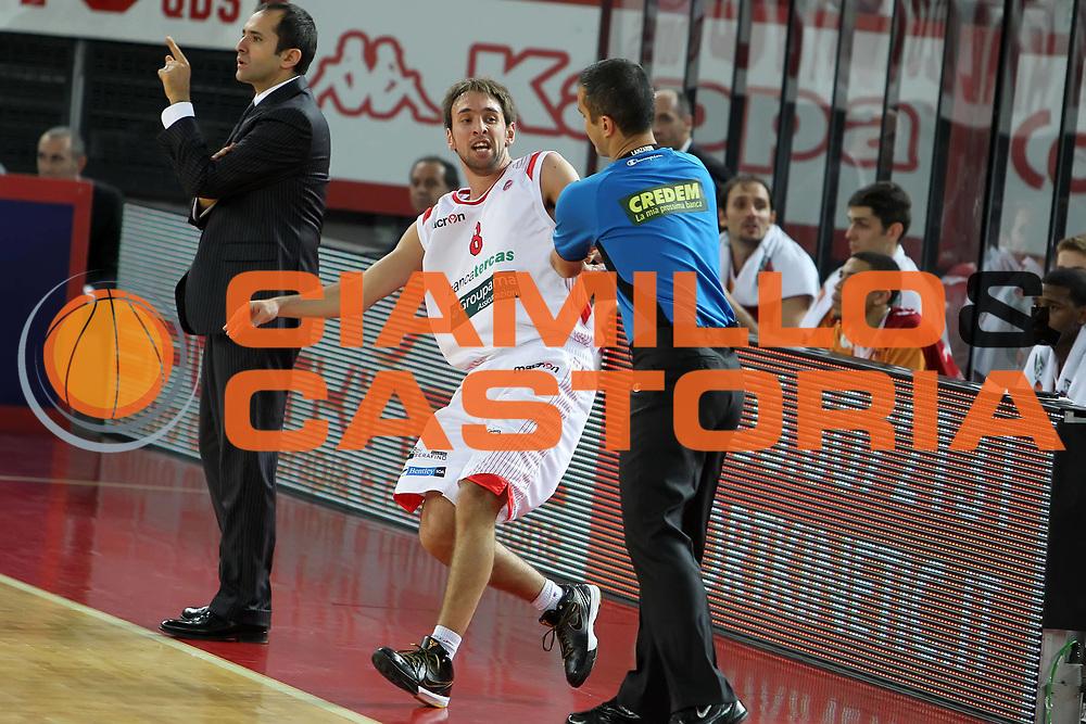 DESCRIZIONE : Roma Lega A 2009-10 Lottomatica Virtus Roma Bancatercas Teramo<br /> GIOCATORE : Giuseppe Poeta Arbitro<br /> SQUADRA : Bancatercas Teramo AIAP<br /> EVENTO : Campionato Lega A 2009-2010<br /> GARA : Lottomatica Virtus Roma Bancatercas Teramo<br /> DATA : 13/12/2009<br /> CATEGORIA : curiosita<br /> SPORT : Pallacanestro<br /> AUTORE : Agenzia Ciamillo-Castoria/E.Castoria<br /> Galleria : Lega Basket A 2009-2010<br /> Fotonotizia : Roma Campionato Italiano Lega A 2009-2010 Lottomatica Virtus Roma Bancatercas Teramo<br /> Predefinita :