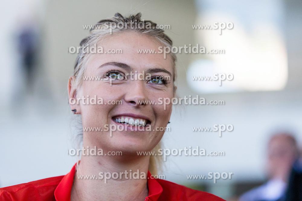 21.04.2015, Porsche Arena, Stuttgart, DEU, WTA Tour, Stuttgart Porsche Grand Prix, im Bild Maria Sharapova (RUS) // during the Stuttgart Porsche Grand Prix WTA Tour at the Porsche Arena in Stuttgart, Germany on 2015/04/21. EXPA Pictures &copy; 2015, PhotoCredit: EXPA/ Eibner-Pressefoto/ Neis<br /> <br /> *****ATTENTION - OUT of GER*****