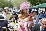 Mrs. David Bond, Royal Ascot Race Meeting. Wednesday 21 June 2006. ONE TIME USE ONLY - DO NOT ARCHIVE  © Copyright Photograph by Dafydd Jones 66 Stockwell Park Rd. London SW9 0DA Tel 020 7733 0108 www.dafjones.com