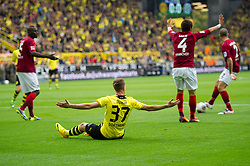 19.10.2013, Signal Iduna Park, GER, 1. FBL, GER, 1. FBL, Borussia Dortmund vs Hannover 96, 9. Runde, im Bild Erik Durm (#37 Dortmund) nach Foul von Hiroki Sakai (#4 Hannover) // during the German Bundesliga 9th round match between Borussia Dortmund and Hannover 96 Signal Iduna Park in Dortmund, Germany on 2013/10/19. EXPA Pictures &copy; 2013, PhotoCredit: EXPA/ Eibner-Pressefoto/ Kurth<br /> <br /> *****ATTENTION - OUT of GER*****