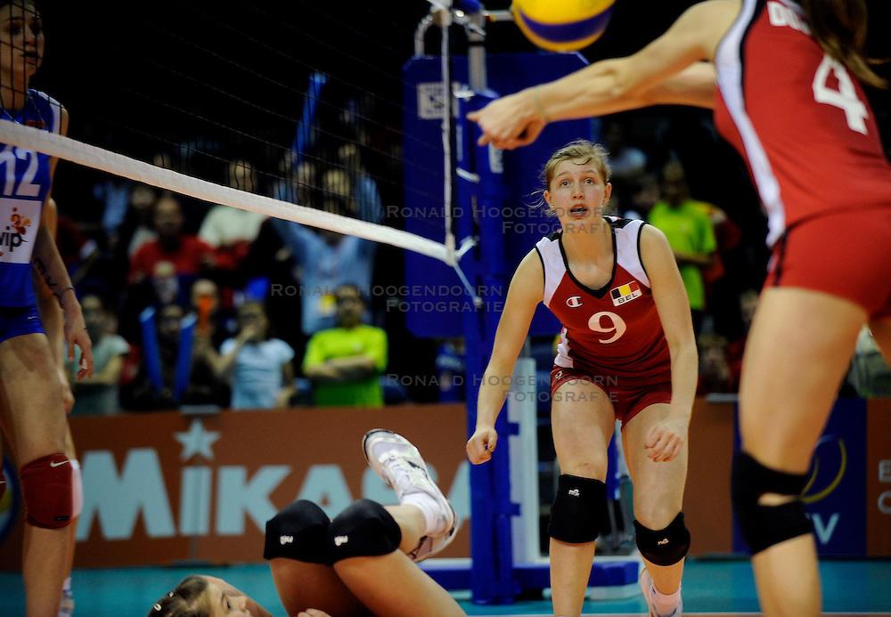 09-04-2009 VOLLEYBAL: EK JEUGD BELGIE - SERVIE: ROTTERDAM <br /> Belgie wint goud op het Europees Kampioenschp Jeugd door Servie met 3-1 te verslaan / Ilka van de Vyver<br /> &copy;2009-WWW.FOTOHOOGENDOORN.NL