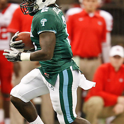 November 10, 2011; New Orleans, LA, USA; Tulane Green Wave running back Robert Kelley (2) against the Houston Cougars during the second quarter at the Mercedes-Benz Superdome.  Mandatory Credit: Derick E. Hingle-US PRESSWIRE