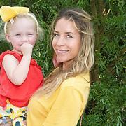 NLD/Diemen/20160831 - Samenwerkingsverband tussen Etos en Woezel & Pip met Dinand Woesthoff en Lucy Hopkins, Renee Vervoorn en dochter Monroe