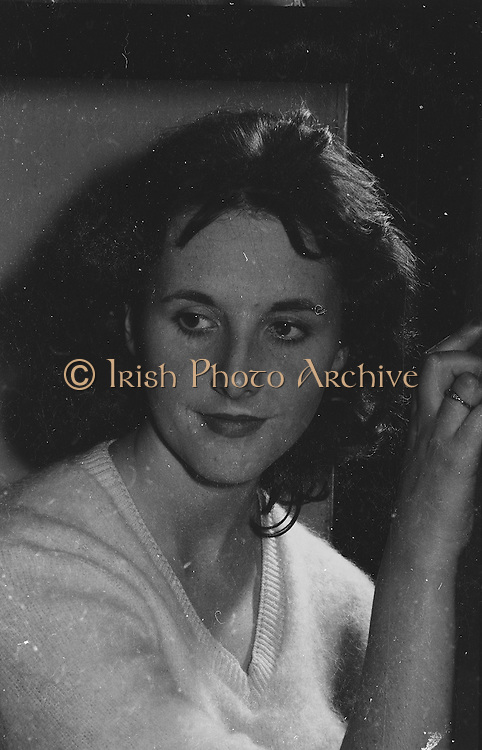 "Gael Linn.Pictured at the rehearsals is an actress who is taking part in the Gael Linn production Seán Ó Riada's ""Spailpin a Ruin"" premiere at Damer Theatre, Stephen's Green as part of the International Theatre Festival.. 08.09.1960"