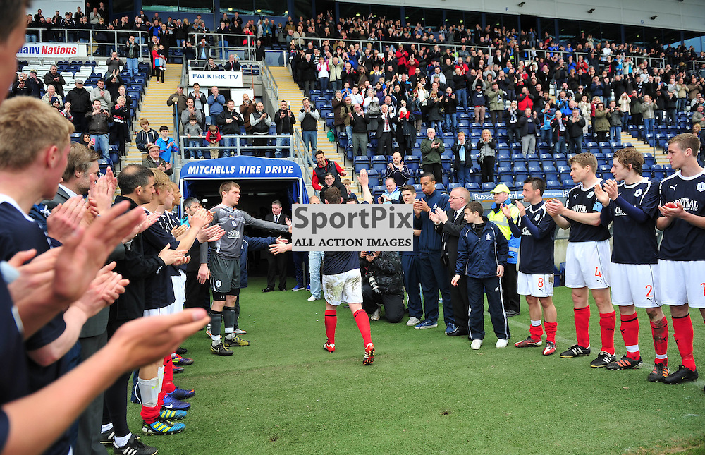The players give a guard of honour for Tam Scobbie ..Falkirk v Ayr, SFL 1st Division, Saturday 5th May 2012..ALEX TODD | STOCKPIX.EU