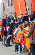 Officiele opening door Koning Willem-Alexander en Koningin M&aacute;xima van de Koningsspelen 2016 op Drostenburg in Amsterdam<br /> <br /> Official opening by King Willem-Alexander and Queen M&aacute;xima of the King Games 2016 Drost Palace in Amsterdam