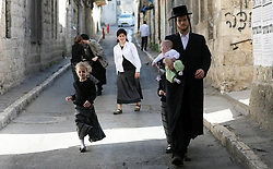 Jerusalem - May 4th,  2008 --Members of the Jewish community in Meah Sharim area of Jerusalem, May 4th, 2008. Picture by Andrew Parsons / i-Images