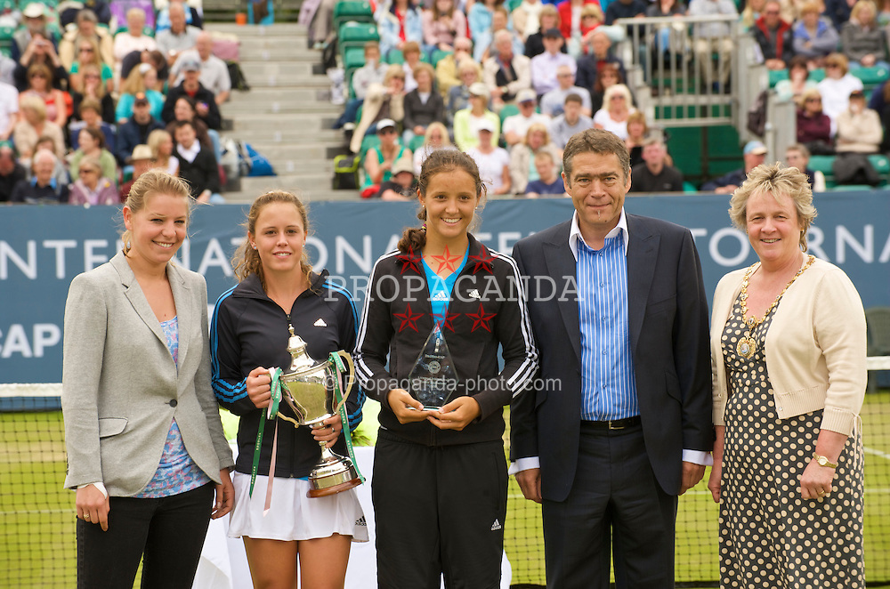 LIVERPOOL, ENGLAND - Saturday, June 20, 2009: Tournament organiser Eliza Holyman, Michelle Larcher De Brito (POR), Laura Robson (GBR), Tradition's David Angel during Day Four of the Tradition ICAP Liverpool International Tennis Tournament 2009 at Calderstones Park. (Pic by David Rawcliffe/Propaganda)