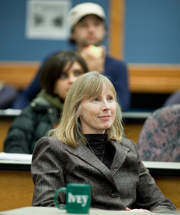 London, Ontario ---11-02-01--- Professor Mary Crossan listens to a guest speaker in her Transcendent Leadership course at the Ivey School of Business at the University of Western Ontario in London, Ontario. <br /> GEOFF ROBINS Toronto Star