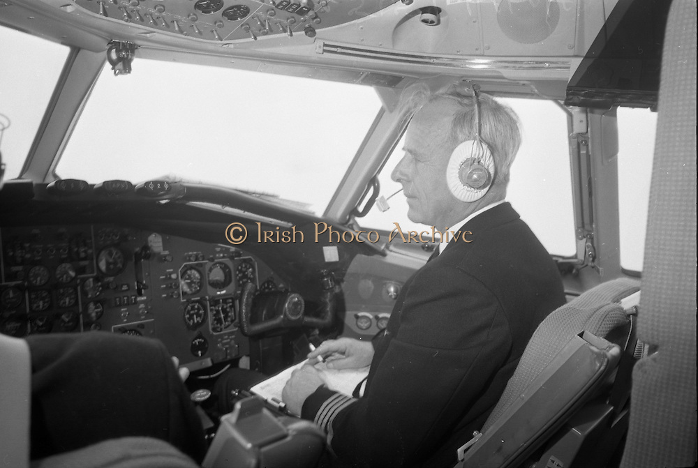First Aer Lingus One-Eleven Flight at Dublin Airport.  The aircraft will touch down for the first time at Cork Airport. Picture shows Captain Eric Jackson, Assistant Chief Pilot (Europe) at the controls..23.05.1965