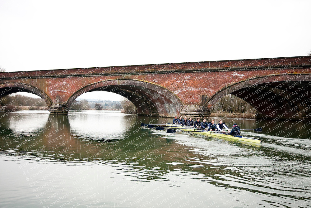 Oxford University Blue Boat 2010 rowing under a bridge during a training session at Wallingford. Bow Ben Myers (Exeter College - GB) 2 Martin Walsh (Green Templeton - Ire) 3 Tyler Winklevoss (Christ Ch - USA) 4 Cameron Winklevoss (Christ Ch - USA) 5 Sjoerd Hamburger (Oriel - Ned) 6 Matt Evans (University - Can/GB) 7 Simon Gawlik (Kellogg - Ger) Stroke Charlie Burkitt (Wolfson - GB) Cox Adam Barhamand (Wolfson - USA)