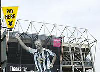 Photo: Andrew Unwin.<br /> Newcastle United v West Bromwich Albion. The Barclays Premiership. 22/04/2006.<br /> A giant banner in tribute to Alan Shearer hangs on the Gallowgate end of St James' Park.
