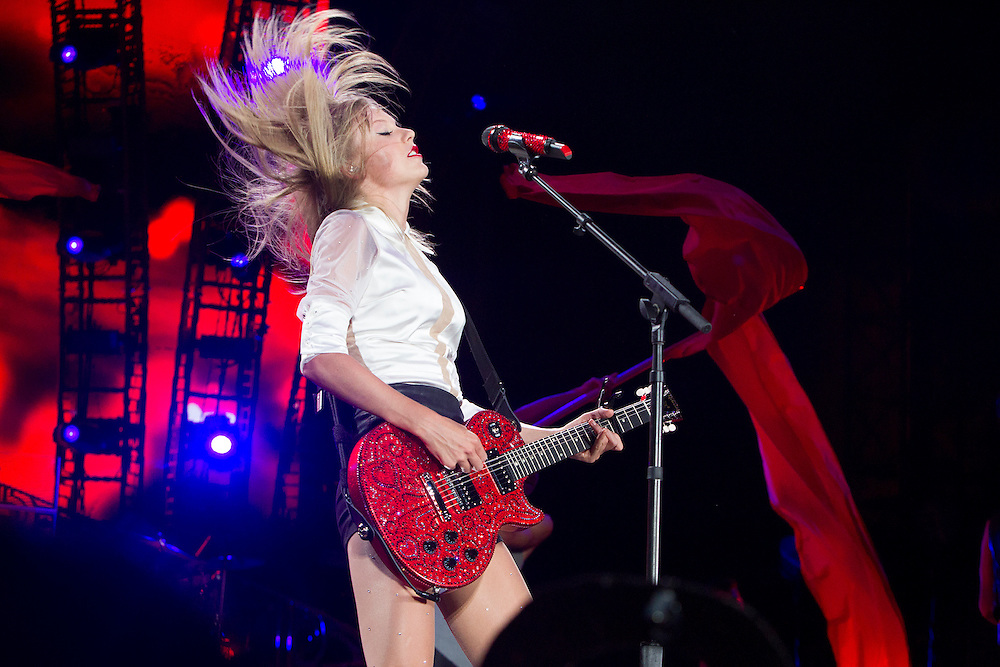 Taylor Swift in concert at Philadelphia's Lincoln Financial Field, Friday July 19, 2013.