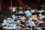 Napoli, Italia - 24 novembre 2010. Un cumulo di spazzatura non raccolta in un vicolo dei quartieri spagnoli di Napoli. Ph. Roberto Salomone Ag. Controluce.ITALY - Piles of uncollected garbage are seen downtown Naples on November 24, 2010.