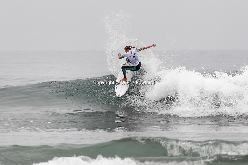 Lakey Peterson placed second in Heat 1 of Round One at the Swatch Women's Pro.