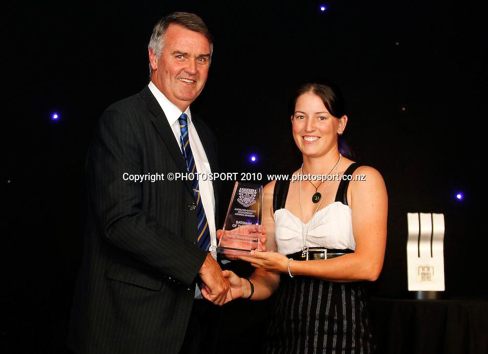Women's Batsman of the Year Holly Huddleston. Auckland Cricket Awards Dinner, Eden Park South Stand, Thursday 14 April 2011. Photo: Simon Watts/photosport.co.nz