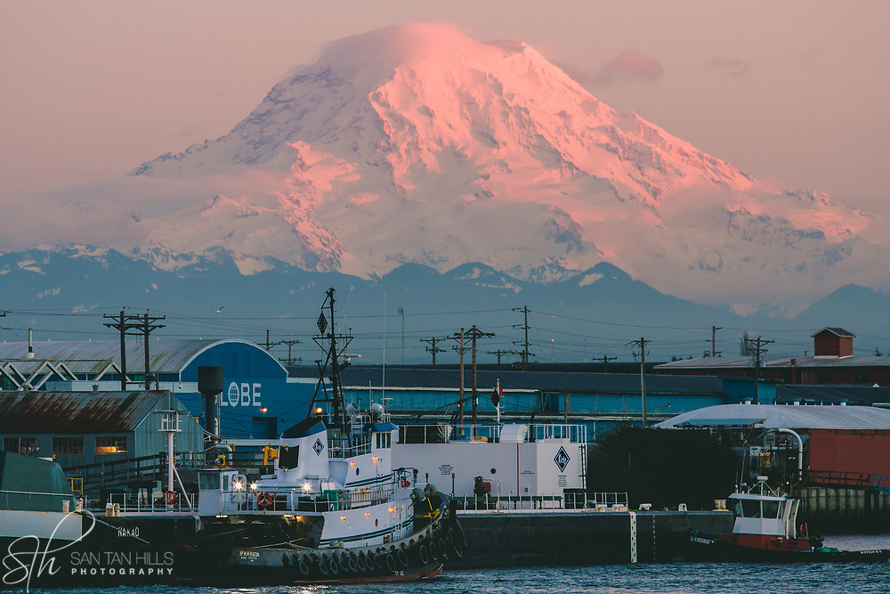Foss Waterway with Mount Rainier at sunset - Tacoma, WA