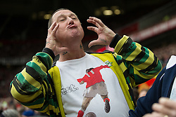 "© Licensed to London News Pictures . 17/05/2015 .  Play underway - ""you've put on weight"" . 0-0 . Manchester Utd vs Arsenal at Old Trafford Football Stadium , Manchester . Photo credit : Joel Goodman/LNP"