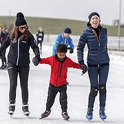 NLD/Biddinghuizen/20160306 - Hollandse 100 Lymphe & Co 2016, Monique des Bouvrie, Shane Kluivert en moeder Rosanna Kluivert - Lima