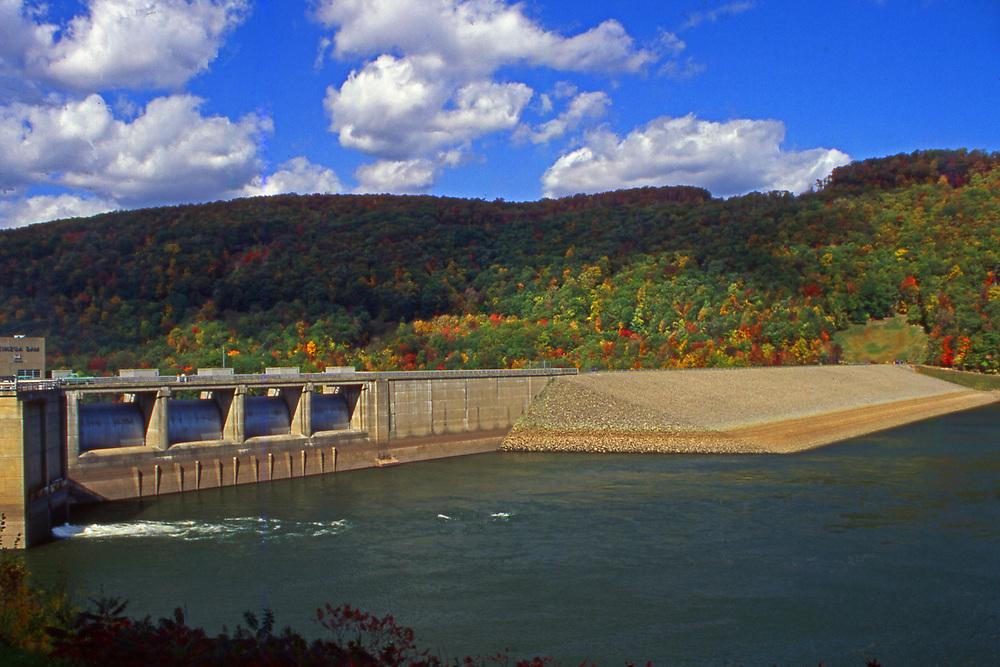 Allegheny Reservoir dam, Allegheny National Forest, NW Pennsylvania