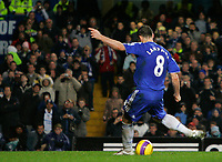 Photo: Tom Dulat/Sportsbeat Images.<br /> <br /> Chelsea v Sunderland. The FA Barclays Premiership. 08/12/2007.<br /> <br /> Chelsea's Frank Lampard scores penalty. Chelsea leads 2-0