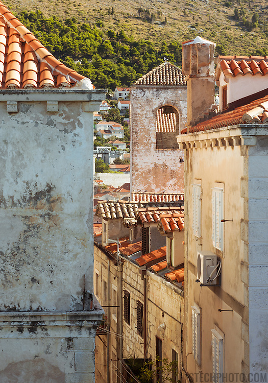 A view of old residential buildings within the walls of the old city of Dubrovnik, Croatia.<br />