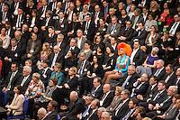 12 FEB 2017, BERLIN/GERMANY:<br /> Olivia Jones, Dragqueen, zwischen den Delegierten der 16. Bundesversammlung zur Wahl des Bundespraesidenten, Reichstagsgebaeude, Deutscher Bundestag<br /> IMAGE: 20170212-02-065<br /> KEYWORDS; Bundespraesidentenwahl, Bundespräsidetenwahl