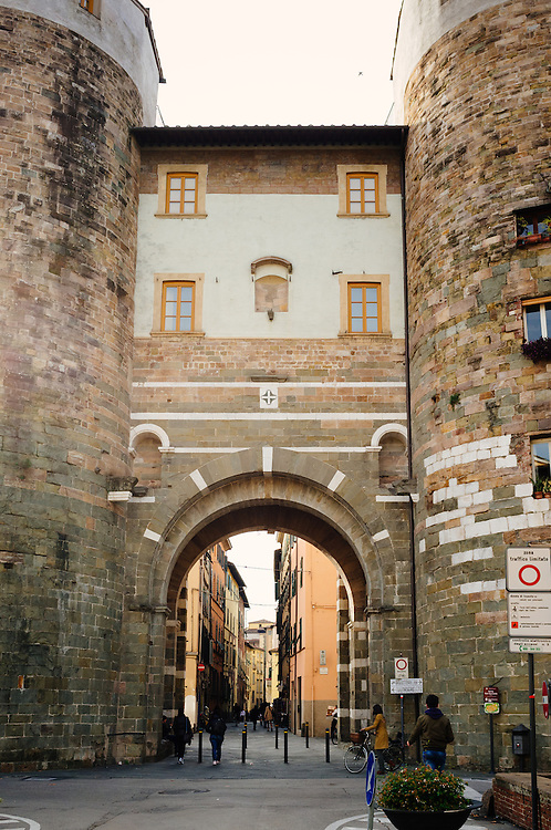 Arch - Lucca, Italy