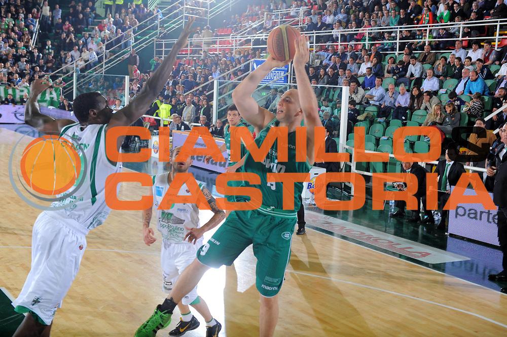 DESCRIZIONE : Treviso Lega A 2010-11 Quarti di finale Play off Gara 1 Air Avellino Benetton Treviso <br /> GIOCATORE : Greg Brunner<br /> SQUADRA : Air Avellino Benetton Treviso<br /> EVENTO : Campionato Lega A 2010-2011<br /> GARA : Air Avellino Benetton Treviso<br /> DATA : 19/05/2011<br /> CATEGORIA : Tiro<br /> SPORT : Pallacanestro<br /> AUTORE : Agenzia Ciamillo-Castoria/GiulioCiamillo<br /> Galleria : Lega Basket A 2010-2011<br /> Fotonotizia : Treviso Lega A 2010-11 Quarti di finale Play off Gara 1 Air AvellinovBenetton Treviso<br /> Predefinita :