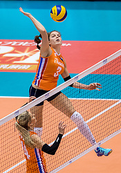 18-05-2016 JAP: OKT Nederland - Dominicaanse Republiek, Tokio<br /> Nederland is weer een stap dichterbij kwalificatie voor de Olympische Spelen. Dit dankzij een 3-0 overwinning op de Dominicaanse Republiek / Laura Dijkema #14, Yvon Belien #3