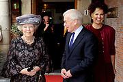 Koningin Beatrix heeft afscheid genomen van Herman Tjeenk Willink als vice-president van de Raad van State.<br /> <br /> Queen Beatrix has said goodbye to Herman Tjeenk Willink as vice-president of the Council of State.<br /> <br /> Op de foto / On the Photo:<br /> <br /> Koningin Beatrix , prinses Maxima en Herman Tjeenk Willink