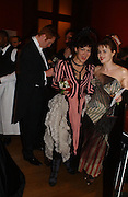 Damian Lewis, Helen McCrory and helena Bonham Carter, Belle Epoche gala fundraising dinner. National Gallery. 16 March 2006. ONE TIME USE ONLY - DO NOT ARCHIVE  © Copyright Photograph by Dafydd Jones 66 Stockwell Park Rd. London SW9 0DA Tel 020 7733 0108 www.dafjones.com