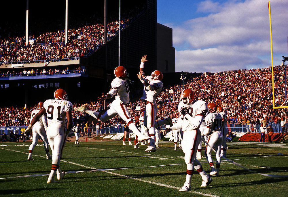 CLEVELAND, OH-UNDATED:  The Cleveland Browns celebrate a touchdown at Municipal Stadium in Cleveland, Ohio during the late 1980's.  (Photo by Ron Vesely)