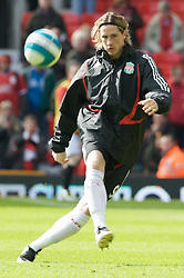 MANCHESTER, ENGLAND - Sunday, March 23, 2008: Liverpool's Fernando Torres warms up before the Premiership match against Manchester United at Old Trafford. (Photo by David Rawcliffe/Propaganda)