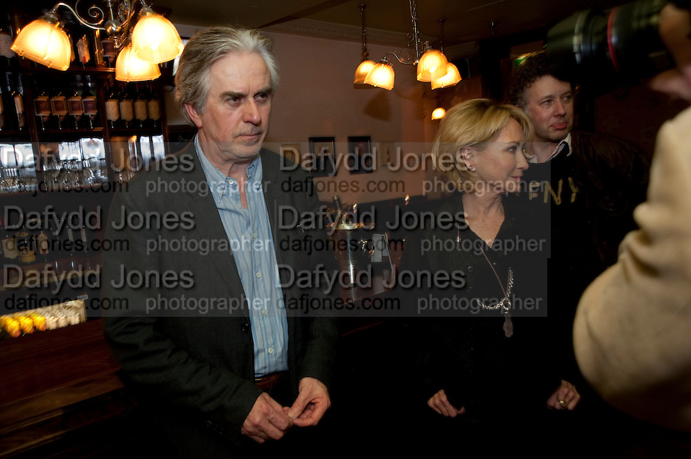 NICHOLAS LE PREVOST; FELICITY KENDALL;  JASPER BRITTON, party after the press night of 'The Last Cigarette' at  the Trafalgar Studios. Party at Walkers, Craig's Court, Whitehall. London.  28 April 2009