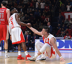 DYLAN ENNIS helping Alen Omic of Crvena Zvezda during basketball match between KK Crvena Zvezda mts Belgrade (SRB) and Olympiacos Piraeus (GRE) in Round #20 of Euroleague 2017/18, on January 26, 2018 in Arena Aleksandar Nikolic, Belgrade, Serbia. Photo by Nebojsa Parausic / Sportida