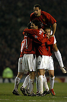 RYAN GIGGS MAN UTD CEDLEBRATES SCORING 1ST GOAL WITH TEAM MATES RIO FERDINAND AND RUUD VAN NISTELROOY<br />