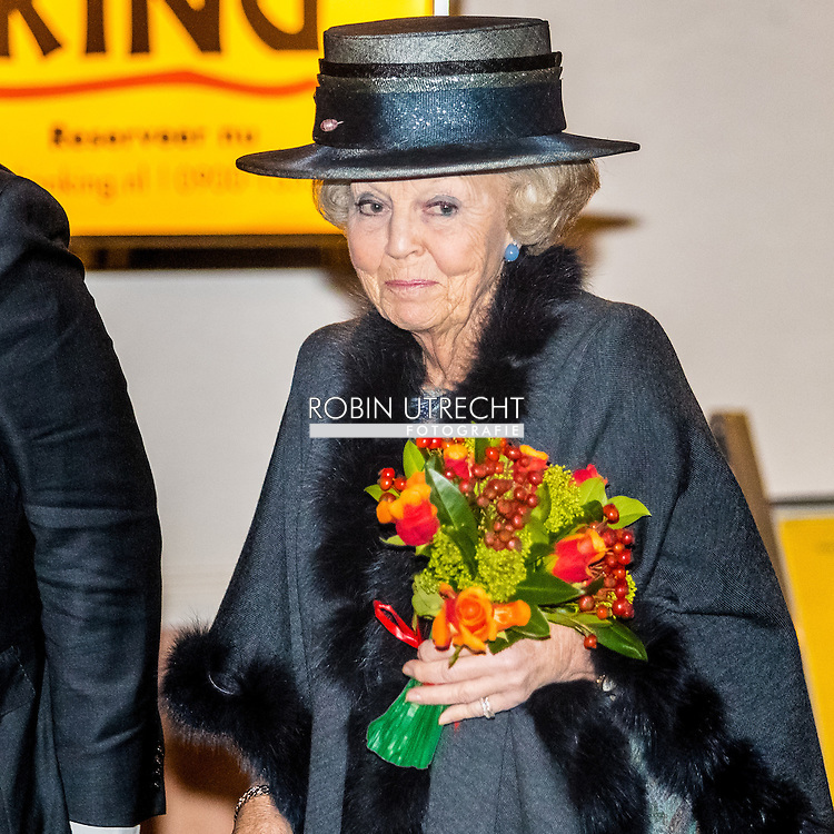 18-11-2016 SCHEVENINGEN - Princess Beatrix of the Netherlands is present at the jubilee meeting of the Arthritis Foundation on the occasion of their 90th anniversary on Friday November 18th. The anniversary event will be held at the Circus Theatre in Scheveningen. Princess since 1980 patron of the Reumafonds.COPYRIGHT ROBIN UTRECHT <br /> 18-11-2016  SCHEVENINGEN - Prinses Beatrix der Nederlanden is aanwezig bij de jubileumbijeenkomst van het Reumafonds ter gelegenheid van hun 90-jarig bestaan op vrijdagmiddag 18 november. De jubileumbijeenkomst wordt gehouden in het Circustheater in Scheveningen. De Prinses is sinds 1980 beschermvrouwe van het Reumafonds.COPYRIGHT ROBIN UTRECHT