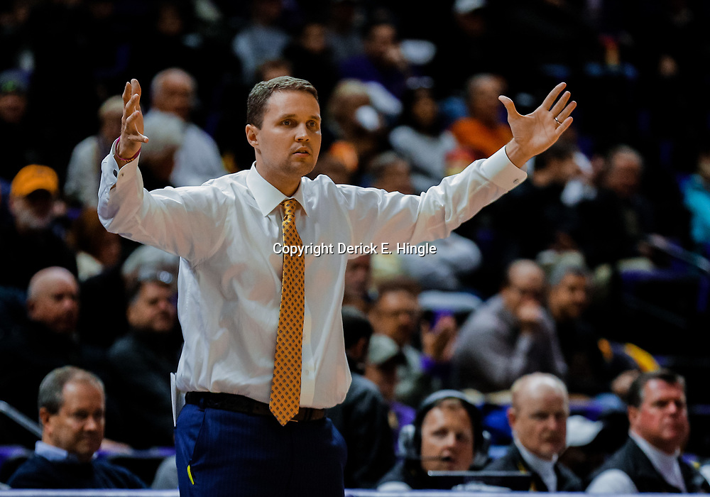 Jan 16, 2018; Baton Rouge, LA, USA; LSU Tigers head coach Will Wade against the Georgia Bulldogs during the first half at the Pete Maravich Assembly Center. Mandatory Credit: Derick E. Hingle-USA TODAY Sports