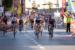 Lucinda Brand wins ahead of Barbara Guarischi and Marianne Vos at the 121 km Stage 1 of the Lotto Belgium Tour 2016 on 7th September 2016 in Moorslede, Belgium. (Photo by Sean Robinson/Velofocus).