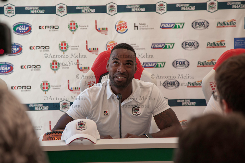 """La conferenza stampa di Calvin """"Megatron"""" Johnson, ex Wide receiver dei Detroit Lions, special guest dell'Italian Bowl 2017."""