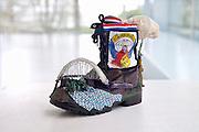 Nederland, Nijmegen, 29-5-2016 Op dit moment is er een expositie, tentoonstelling, in het gemeentelijk museum voor oudheid en moderne kunst het Valkhofover 100 jaar vierdaagse, 4daagse Onderdeel hiervan is een aantal schoenen, wandelschoenen die door een loopster zijn versierd. Deze heeft als thema de verovering van de Waalbrug in 1944, icoon van NijmegenFOTO: FLIP FRANSSEN/ HH